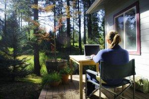 Fokus Waralaba dan Bisnis Offline atau Kerja di Rumah